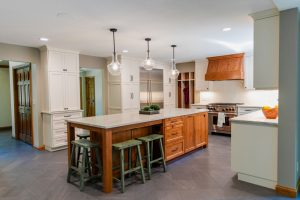 Read more about the article Hardwood Ct Main Floor Remodel